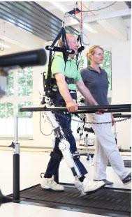Exoskelett HAL im Therapieeinsatz
