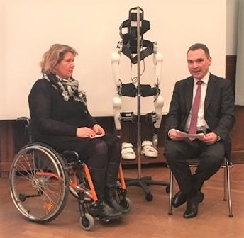 Health-IT Talk 2017: Interview zum eigenen Erleben und den Therapieerfolgen mit HAL - Dr. Adrian Schuster